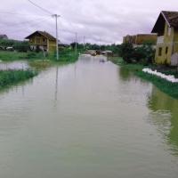 E73JHI podjela pomoci u poplavljenom podrucju